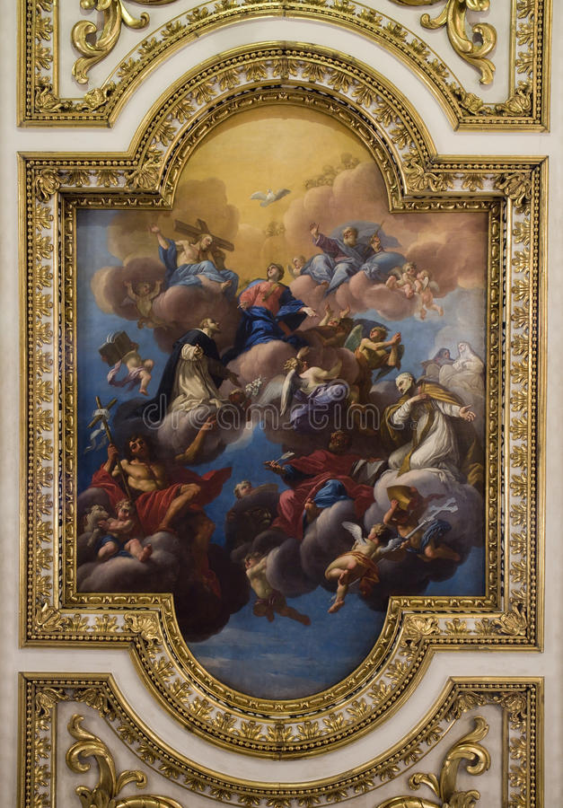 Jésus-Christ et couronnement de Mary sainte photo libre de droits