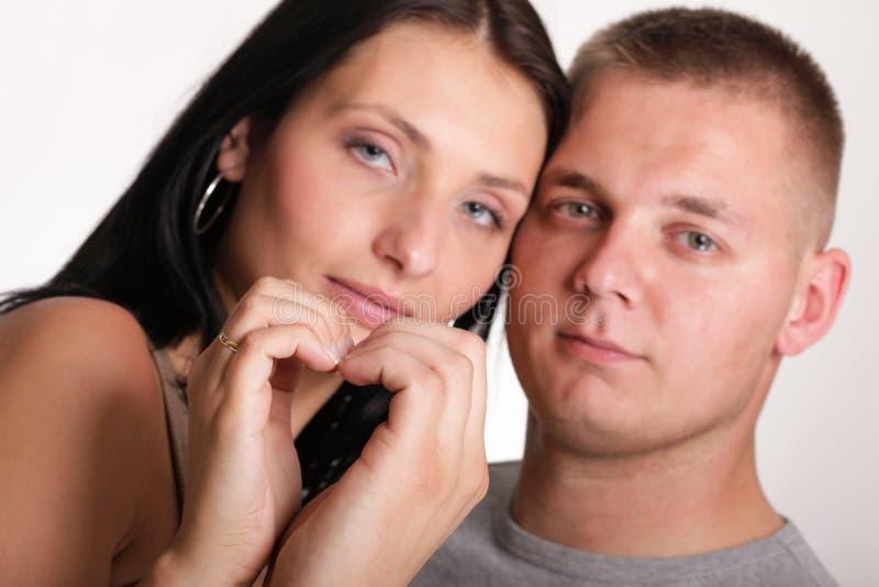 Download Jóvenes En Los Pares Sonrientes Felices Del Amor Aislados Imagen de archivo - Imagen de cariñoso, hermoso: 44854545