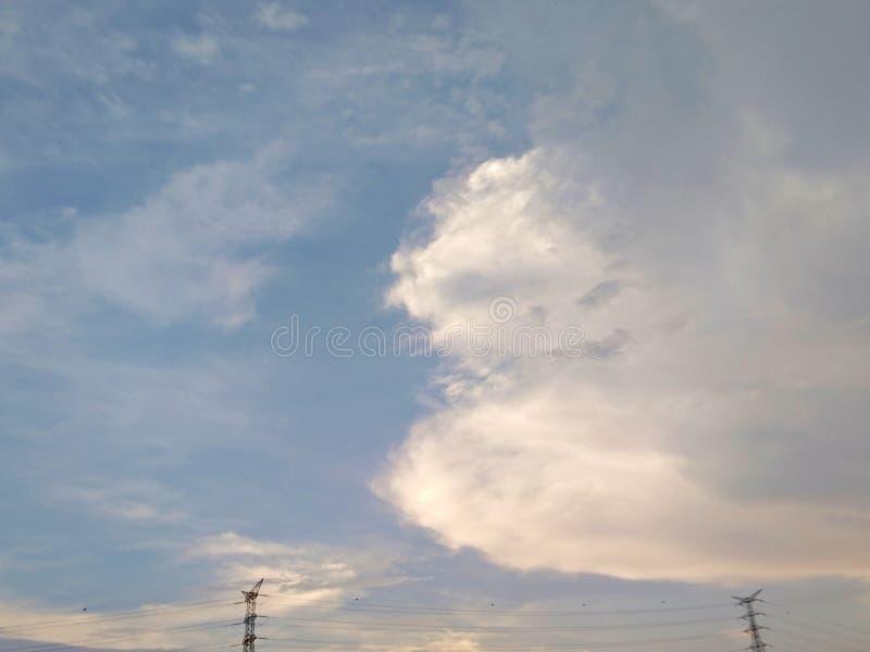 Júntese en el cielo foto de archivo libre de regalías