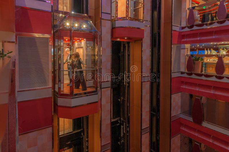 Júntese en la elevación del barco de cruceros grande Costa Deliziosa fotografía de archivo libre de regalías
