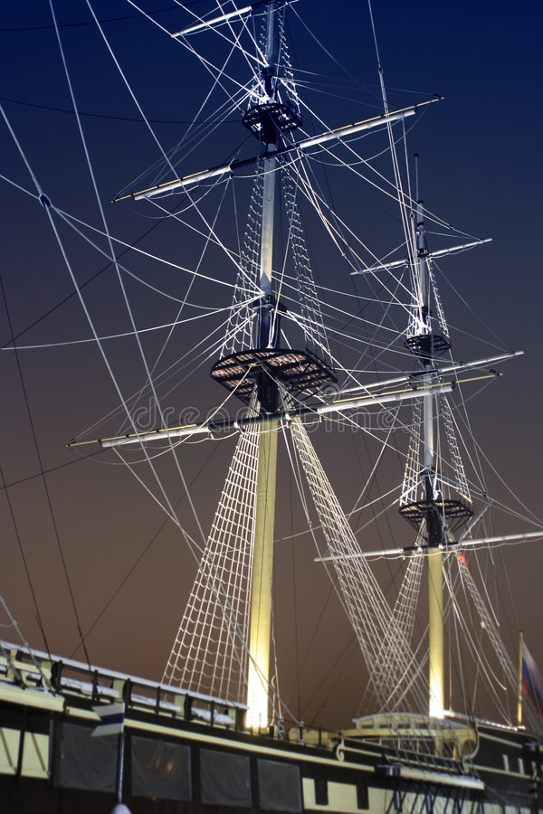 Download Júri-mastros E Corda Do Navio De Navigação Na Obscuridade Imagem de Stock - Imagem de fragata, sailing: 525799