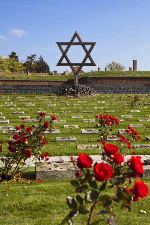 Jüdisches Denkmal bei Terezin stockbilder