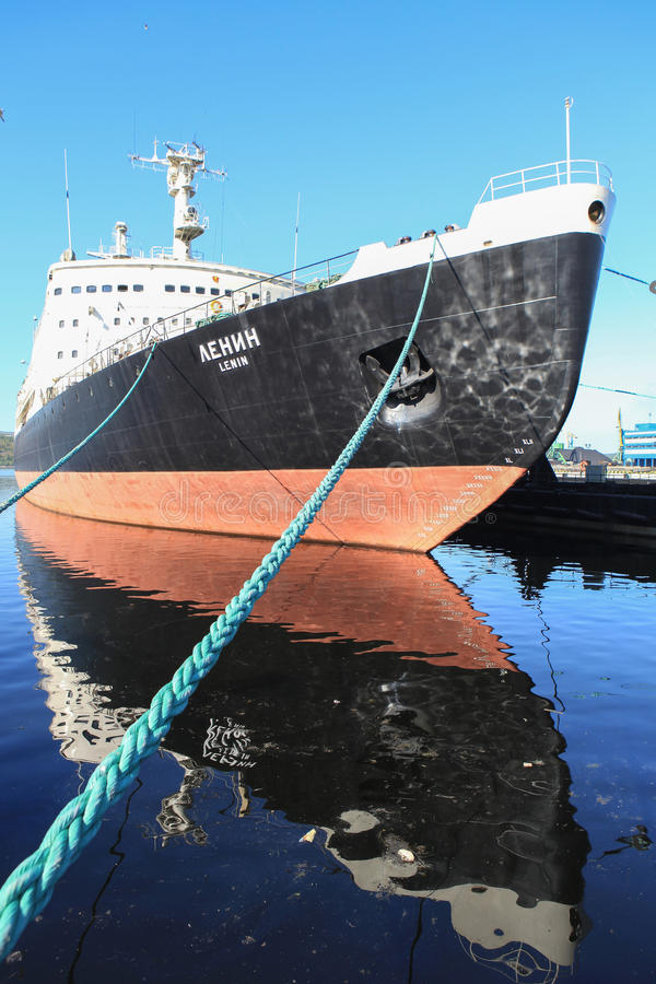 Jądrowy Icebreaker Lenin Murmansk w Rosja obrazy stock