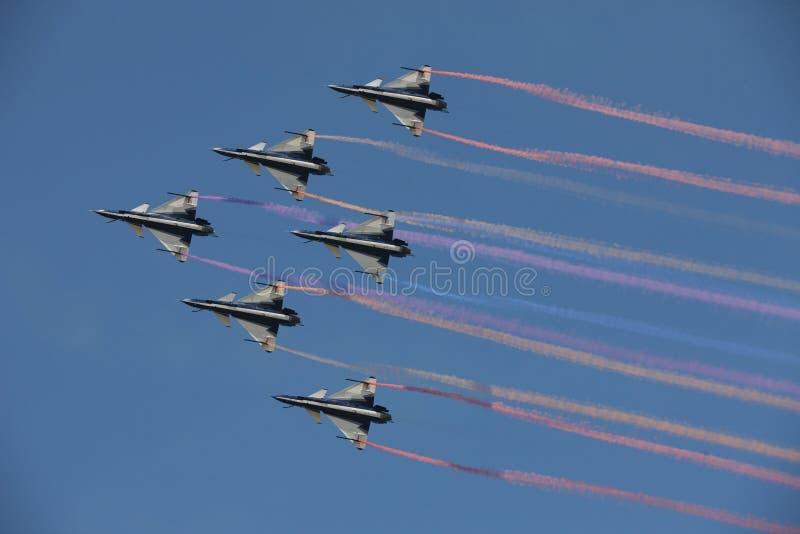 J-10B dans le ciel photo stock