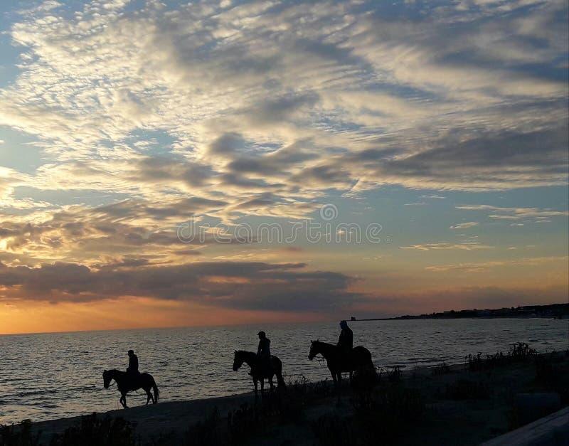 J'aime des couchers du soleil images stock