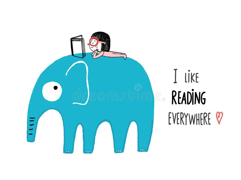 J'aime lire partout Fille avec un livre sur un éléphant photo libre de droits