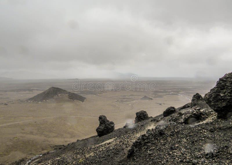 Jałowy i jak krajobraz Askja, średniogórza Iceland, Europa obrazy stock
