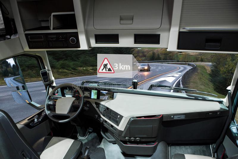 Jaźni jeżdżenia ciężarówka na drodze Pojazd pojazd komunikacja obrazy royalty free