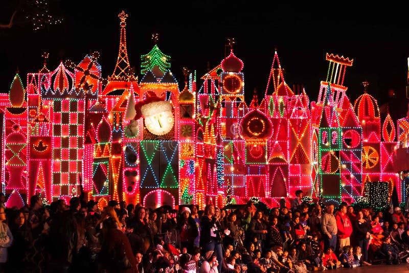 'Ja jest Małym Światowym' przyciąganiem przy Disneyland przygotowywającym dla bożych narodzeń obraz stock