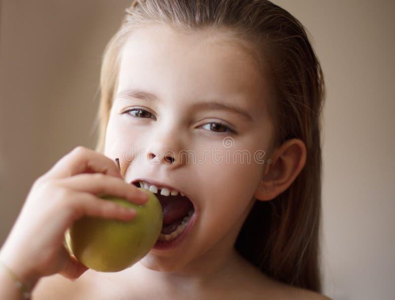 Ja jest więcej niż właśnie jabłko fotografia stock
