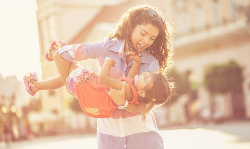 Ja jest znacząco dla matki robić dziecka szczęśliwy zdjęcie royalty free
