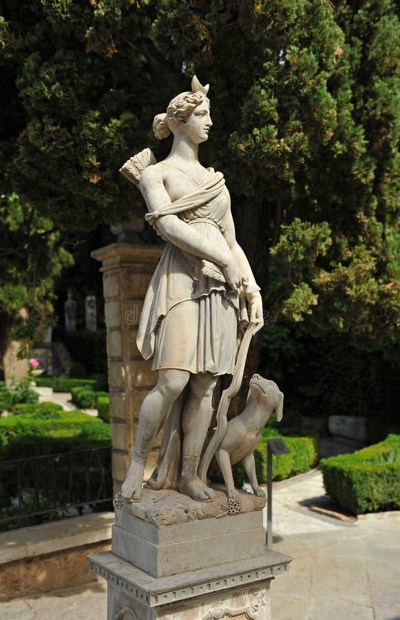 Jaagster Diana in een tuin van Granada, Spanje stock foto