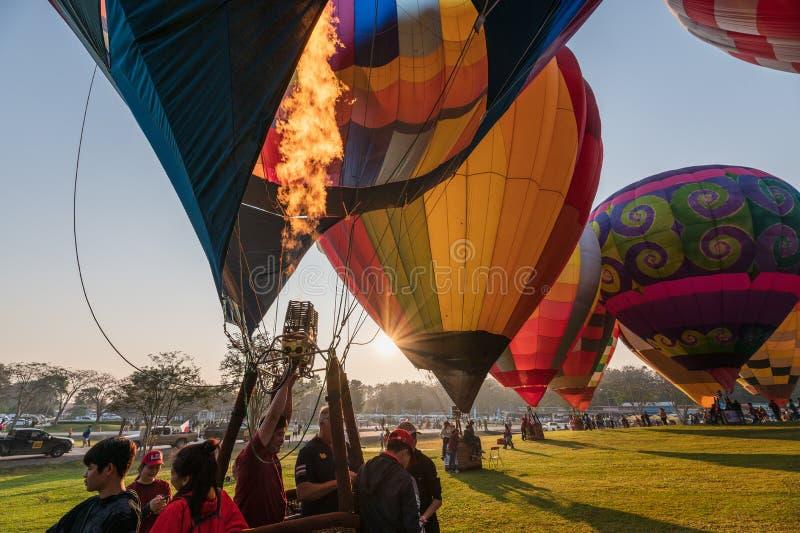 Jaarlijks internationaal ballonfestival in signhapark stock fotografie