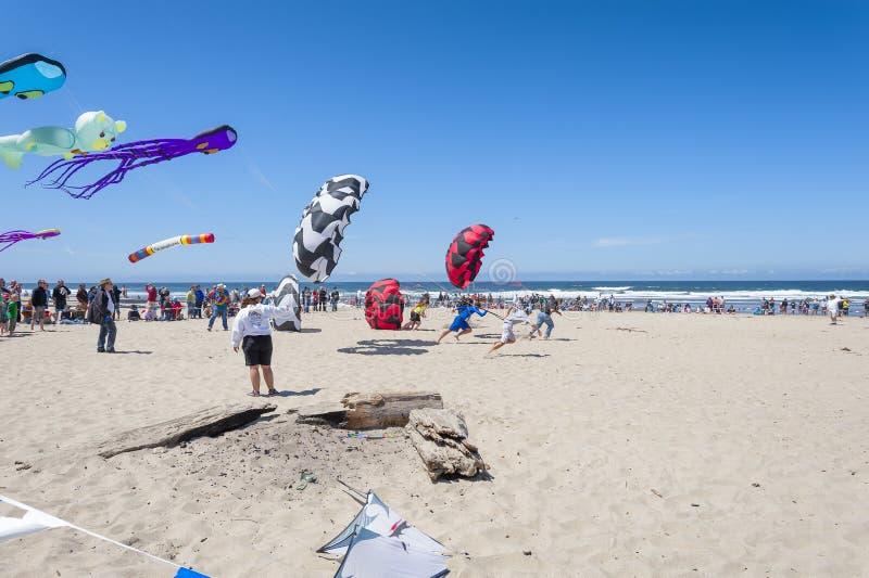 Jaarlijks Vliegerfestival in Lincoln City Oregon royalty-vrije stock afbeelding