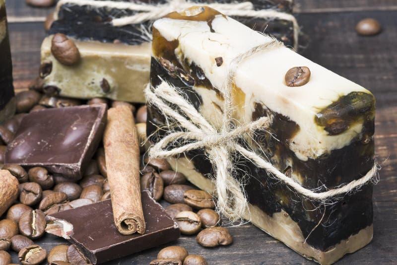 Jabón hecho a mano del chocolate imágenes de archivo libres de regalías