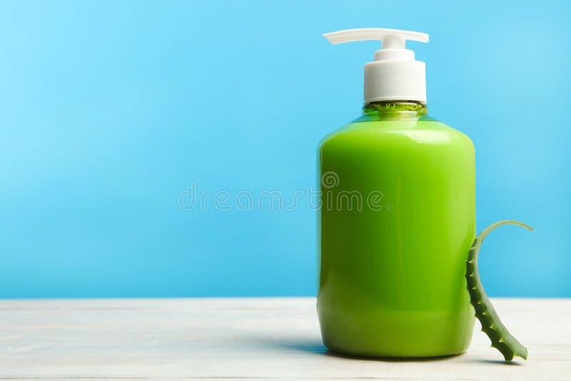 Jabón líquido de la mano fotografía de archivo libre de regalías