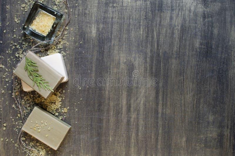 Jabón y sal de baño imagenes de archivo