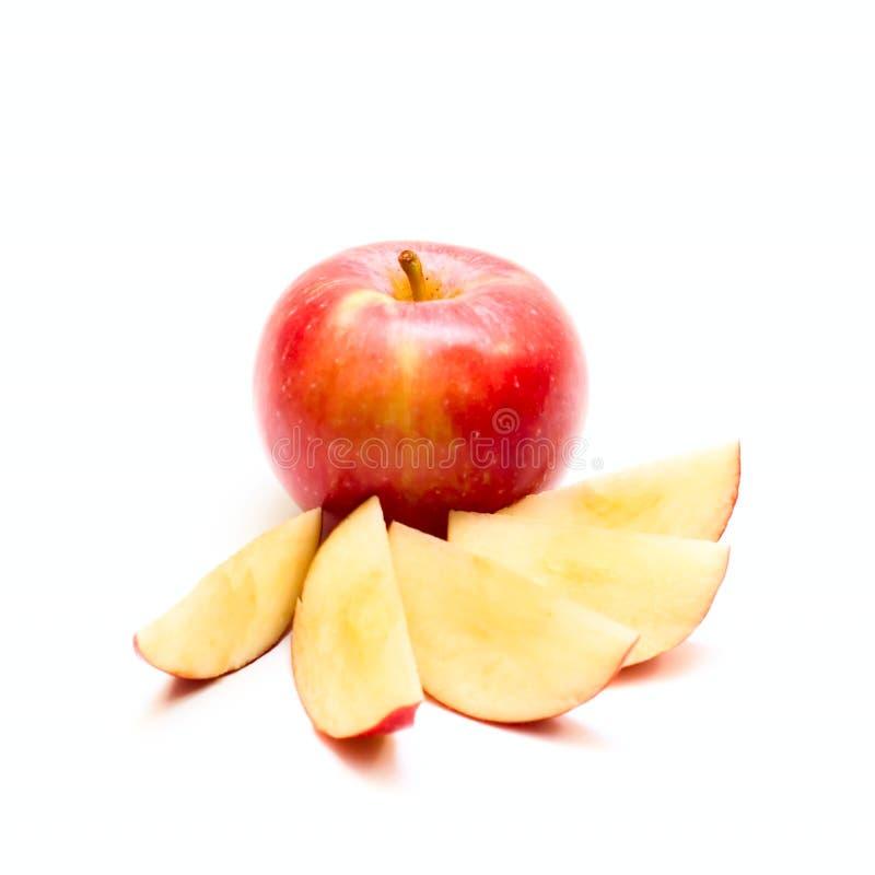 jabłczani czerwoni plasterki zdjęcie royalty free