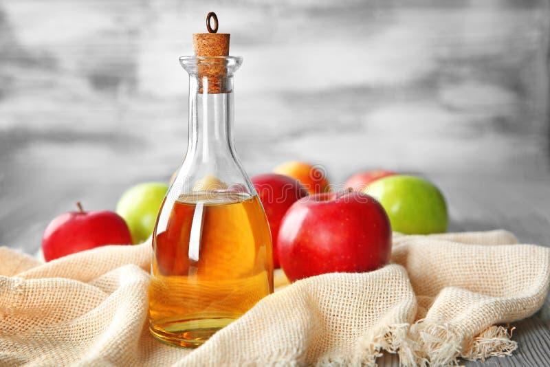 jabłczany butelki szkła ocet zdjęcie royalty free