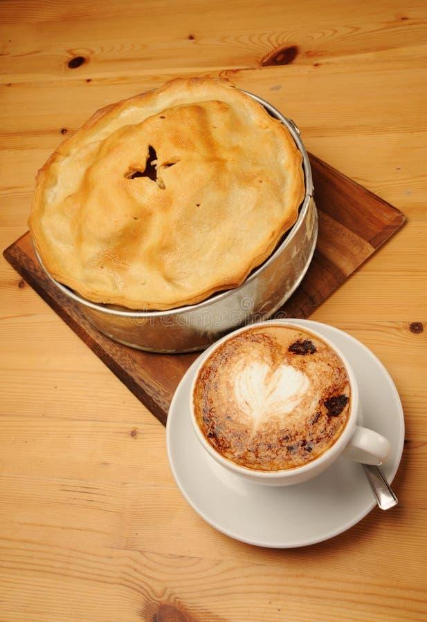 jabłczany cappuccino kawy kulebiak obraz stock