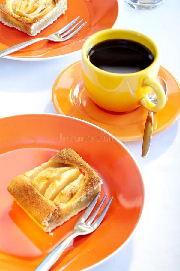 jabłczany kawowy kulebiak zdjęcia stock
