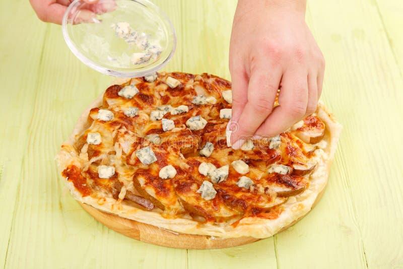 Jabłczany kulebiak DorBlu i ser zdjęcie stock