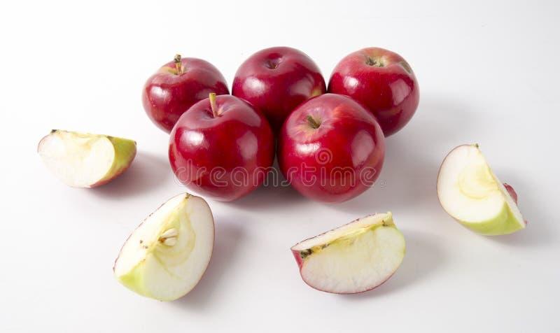 jabłek tła czerwony biel wierzchołek obrazy royalty free