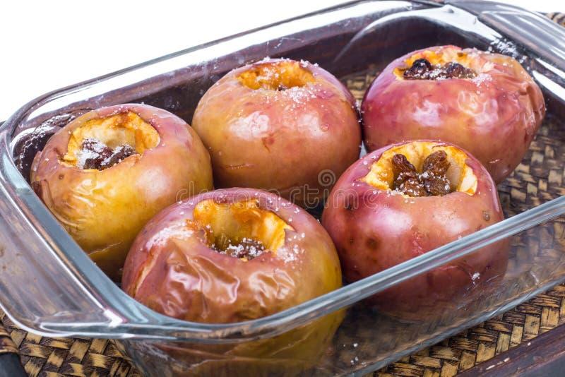 Jabłka z rodzynkami, piec w piekarniku zdjęcie royalty free