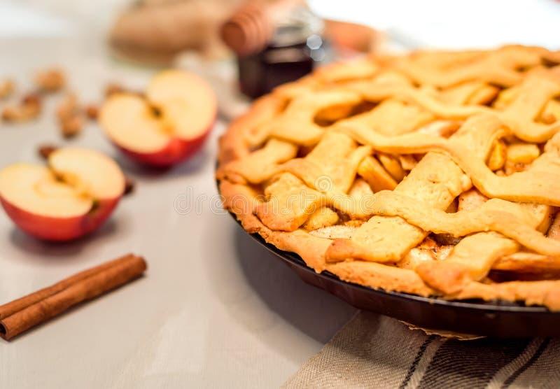 jabłkowe ciasto domowej roboty fotografia royalty free