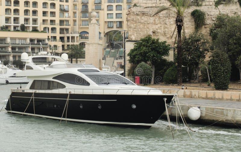 Jacht Cumujący Przy Portomaso Marina, StJulians, Malta obrazy stock