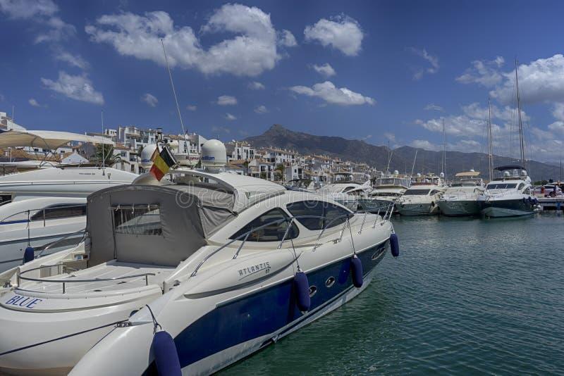 Jachthäfen in Andalusien, Puerto Banus in Marbella lizenzfreies stockbild