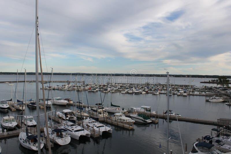Jachthafen in der Querstadt lizenzfreie stockfotos