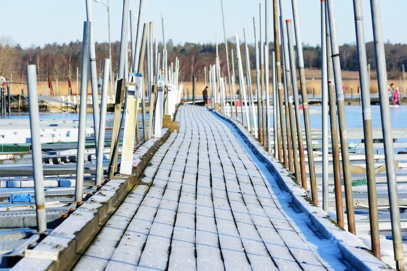 Jachthafen im Winter stockbilder