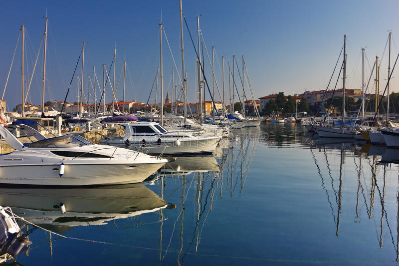 Jachthafen in Porec, Kroatien lizenzfreie stockbilder