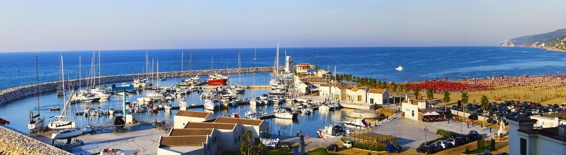 Jachthafen von Peschici, Apulien - Italien stockbild
