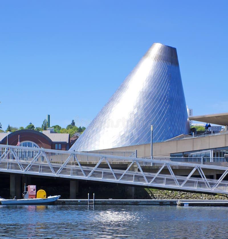 Jachthaven de van de binnenstad van Tacoma met de koepel van het Museum van het Glas. royalty-vrije stock afbeelding