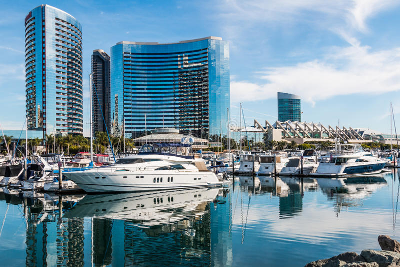 Jachtjachthaven, Hotels en Convention Center in San Diego stock foto