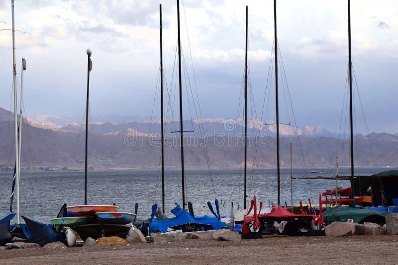 Jachty na plaży w Izrael fotografia stock
