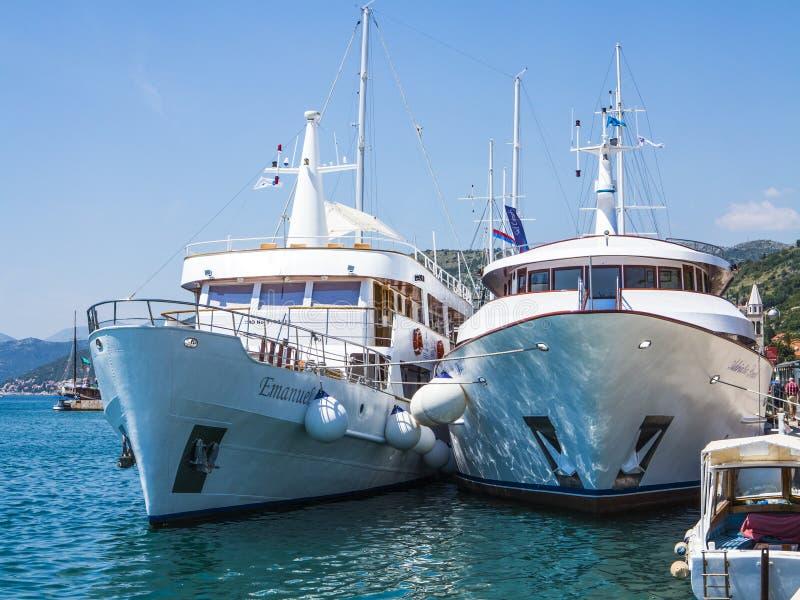 Jachty przy Dubrovnik marina zdjęcie royalty free