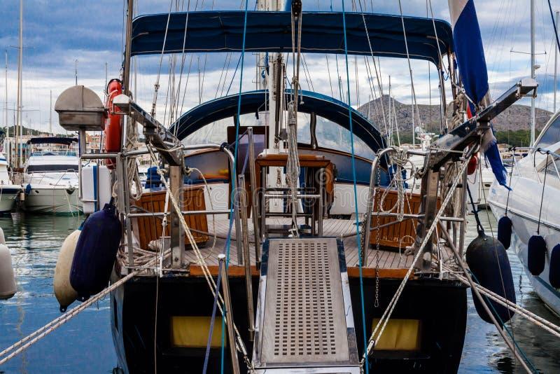 Jachty w Portowym De Alcudia, Mallorca, Hiszpania obrazy stock