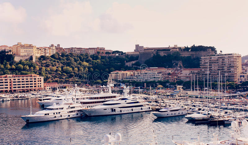 Jachty w zatoce Monaco obrazy stock