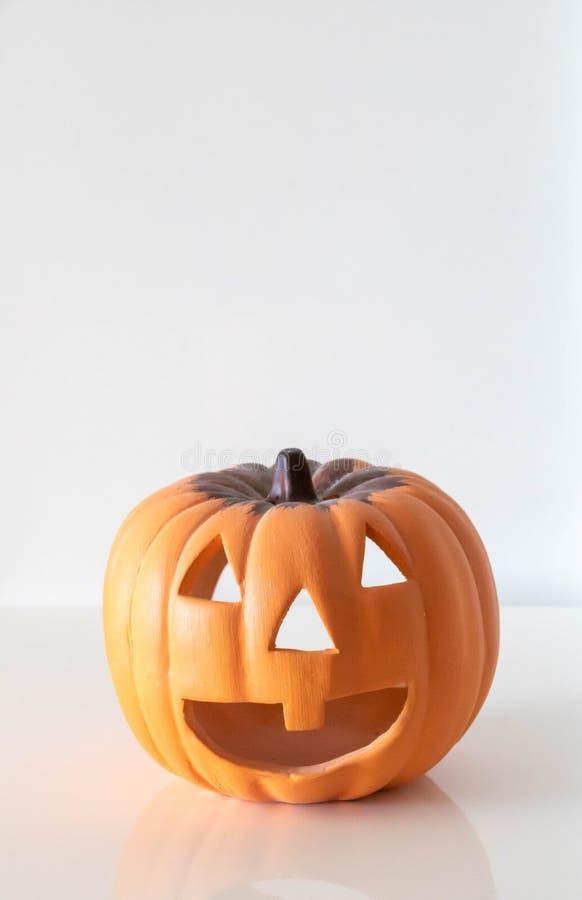 Jack O Latarniowa bania kopiąca dla Halloween zdjęcia stock