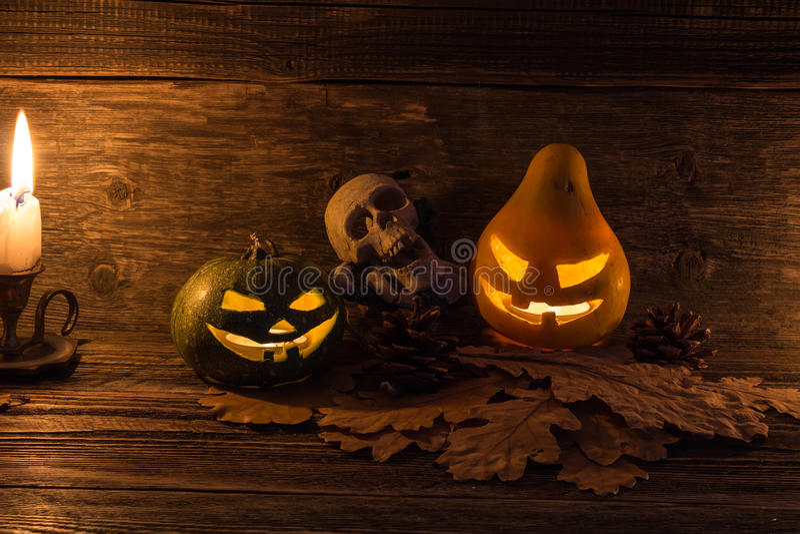 Jack-o-linterna sonriente de las calabazas de Halloween imágenes de archivo libres de regalías