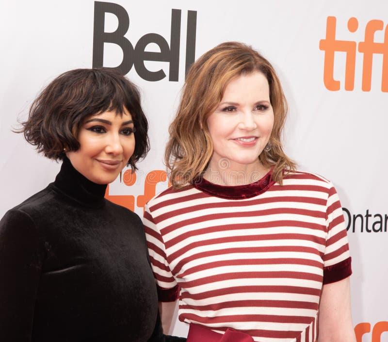 Jackie Cruz e Geena Davis al prima di ` questo cambia tutto ` a TIFF2018 fotografie stock