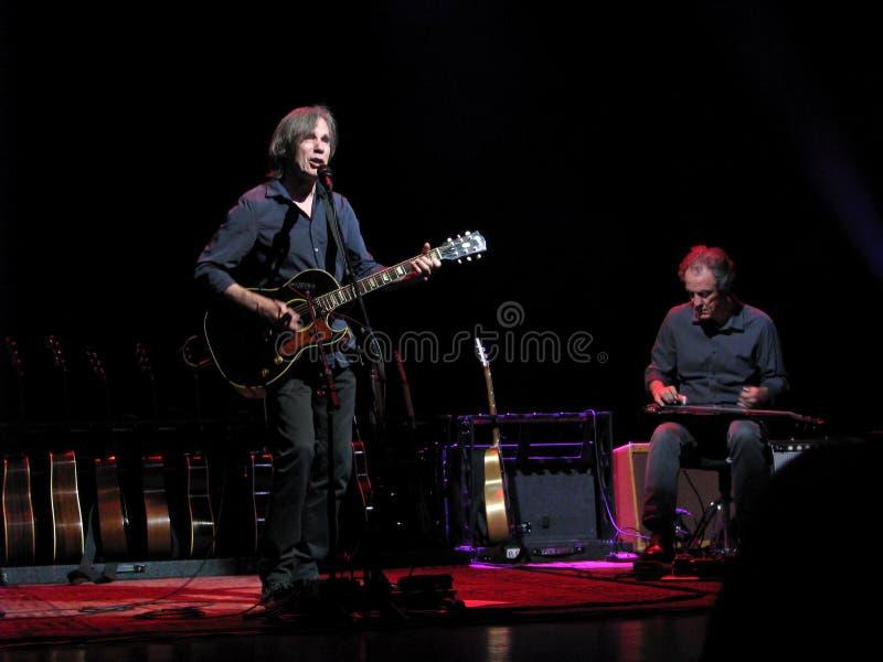 Jackson Browne no concerto imagens de stock