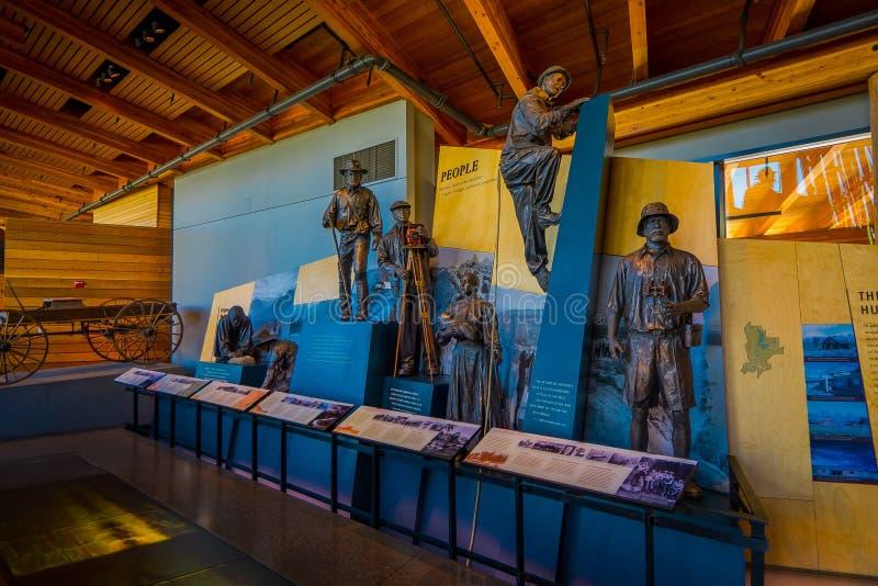Jackson Hole, Вайоминг США 23-ье мая 2018: Крытый взгляд экспозиции в центре для посетителей открытия Craig Томаса Посетитель стоковое фото