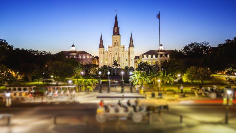 Jackson kwadrat w Nowy Orlean, Luizjana dzielnica francuska przy nocą fotografia royalty free