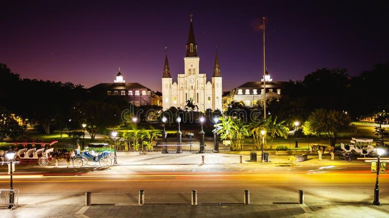 Jackson Square a quartiere francese di New Orleans, Luisiana alla notte fotografie stock libere da diritti