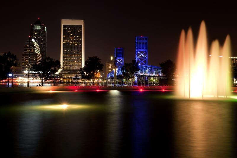 Jacksonville la Florida (noche) imagen de archivo libre de regalías