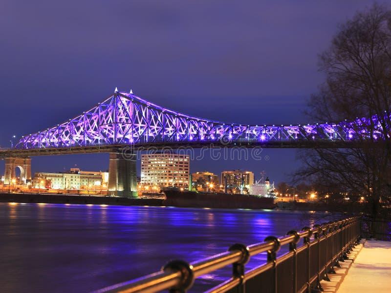 Jacques Cartier Bridge iluminou na noite fotografia de stock royalty free